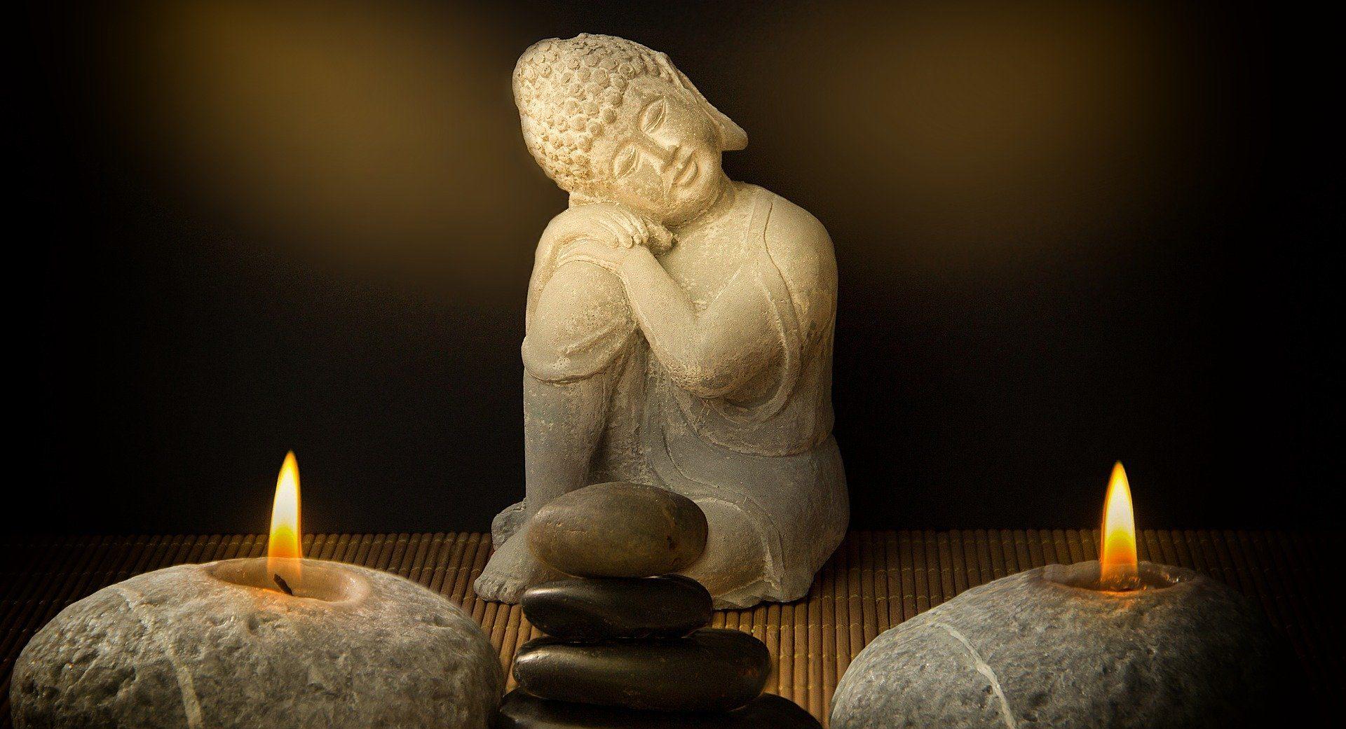 bougie et bouddha